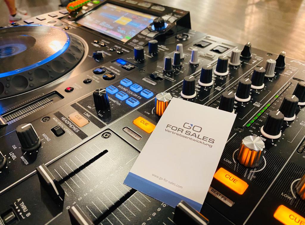 Was hat Kundenakquise mit Musik auflegen zu tun?